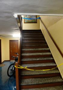 : The deadly shooting took place in a sixth-floor apartment in the Flatbush Gardens on Brooklyn Ave. near Foster Ave. (KEN MURRAY/NEW YORK DAILY NEWS)