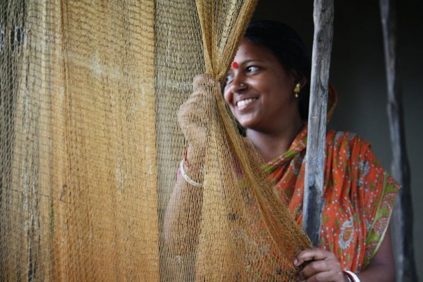 A young woman from a fishing community in West Bengal in eastern India. She comes from a village that is known for high levels of trafficking of women and girls to other major cities. (Photo: UN Women/Anindit Roy-Chowdhury)