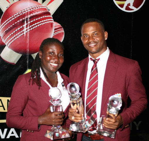 Marlon Samuels and Stafanie Taylor with their Player-of-the-Year awards.