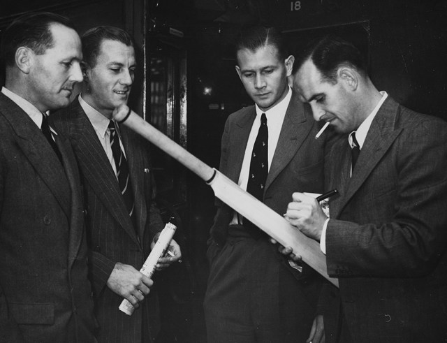 Lindsay Tuckett (second from right) with team-mates Ken Viljoen, Athol Rowan and Jack Plimsoll on South Africa's tour of England in 1947 (Photo: Getty Images)