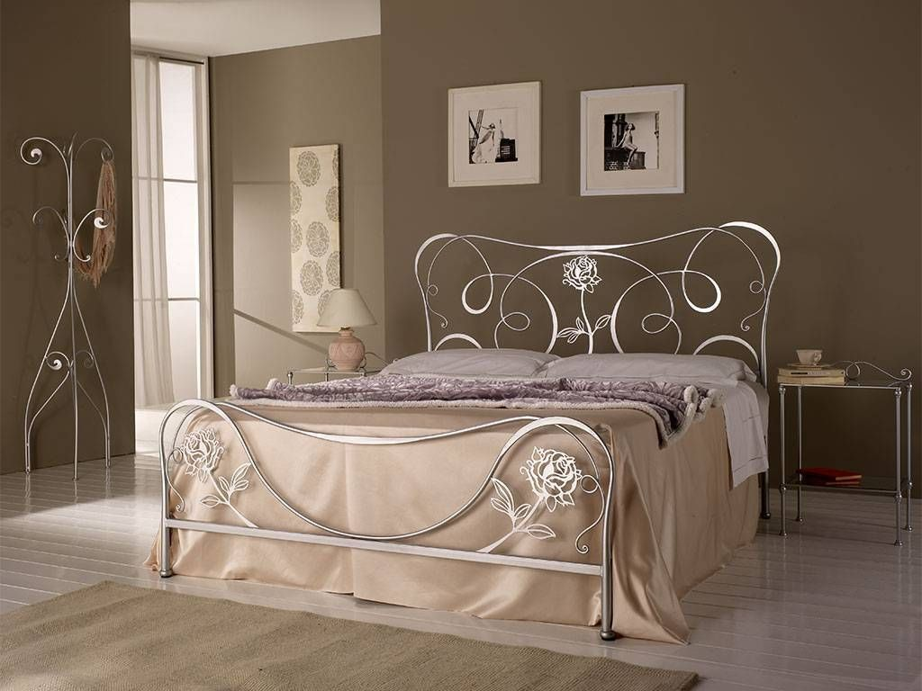 Adele wroughtiron bed