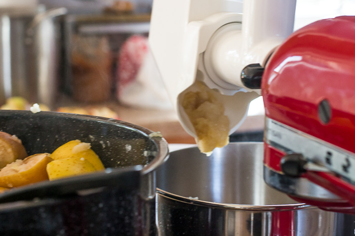 making-and-preserving-applesauce