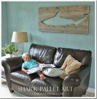 Pallet Art Shark_thumb[3]