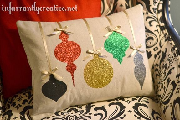 christmas-glitter-pillow_thumb