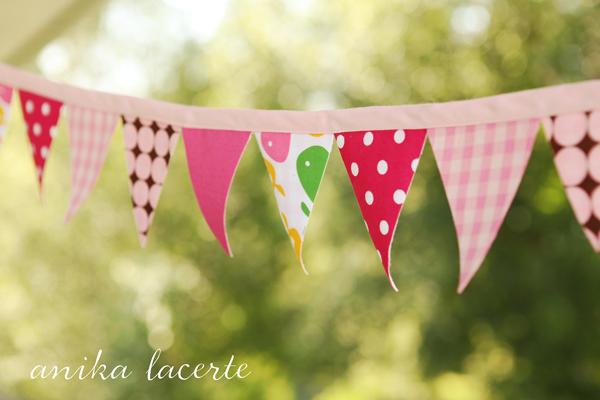 Anika Lacerte pennant bunting tutorial
