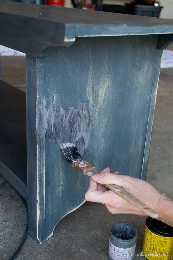 painting a farmhouse bench