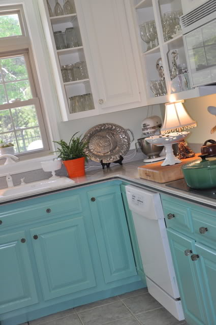 turquoise-cabinets-diy