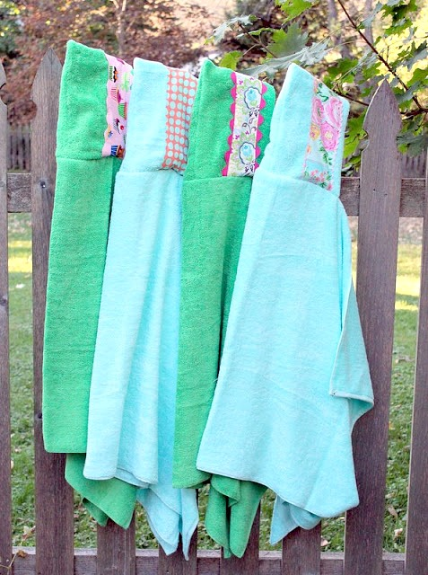 DIY-hooded-beach-towel