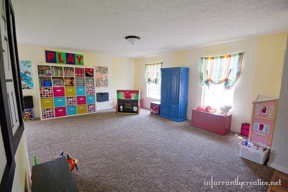 playroom organization and decor