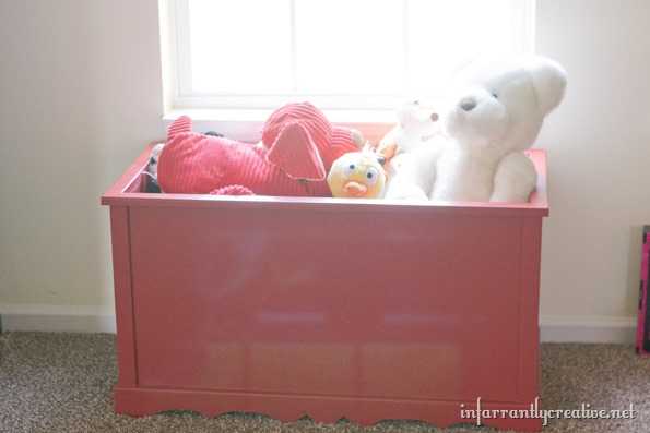 pottery barn turner toy box