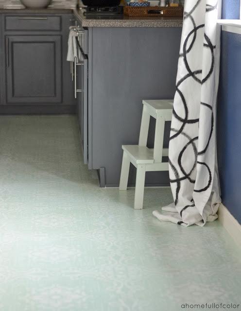 stenciled-linoleum-floor