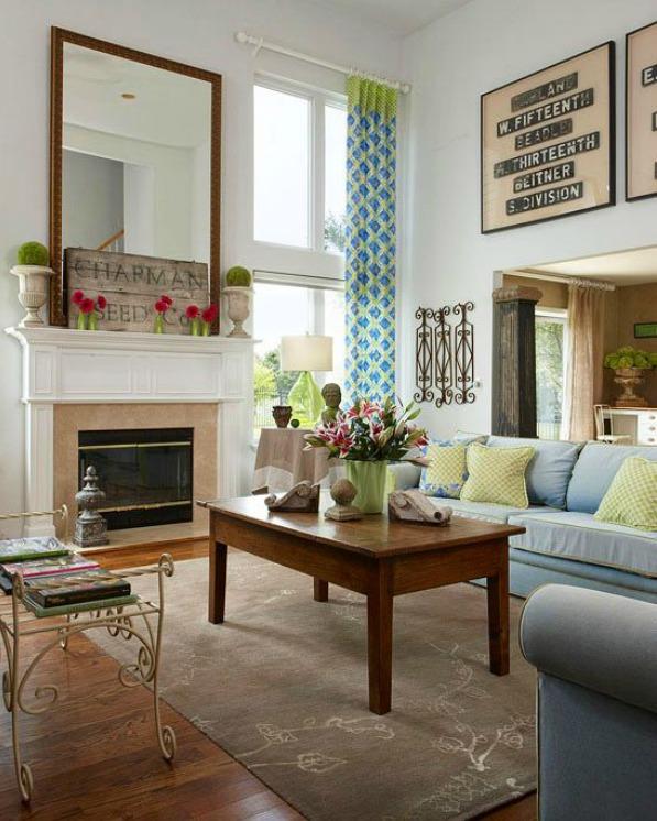 tall-ceilinged-living-room