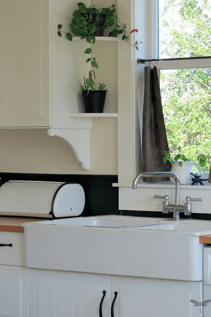 DIY-Cabinet-Corbels