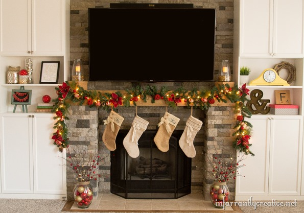 christmas decorations mantle