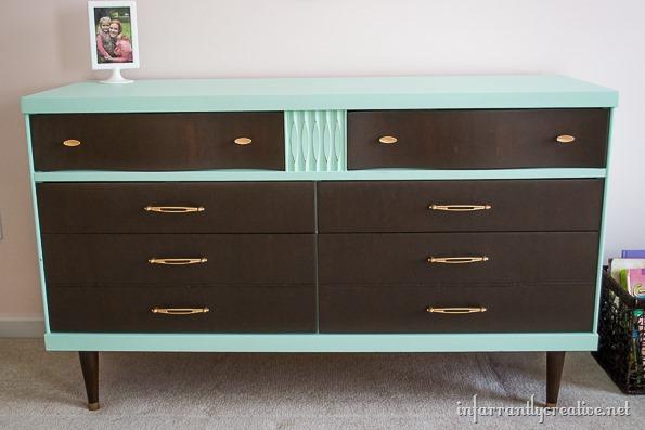 green mint dresser