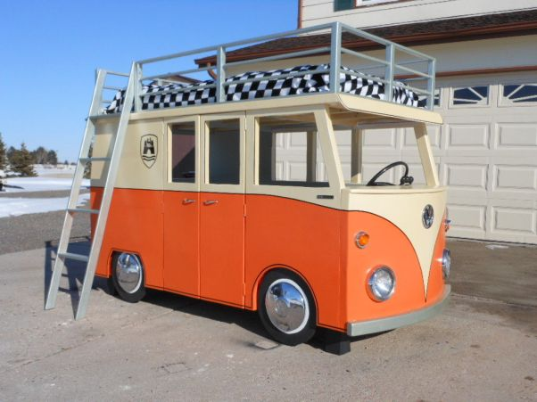 VW-bus-playhouse-bunk