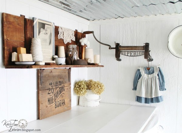 rustic-laundry-room-makeover
