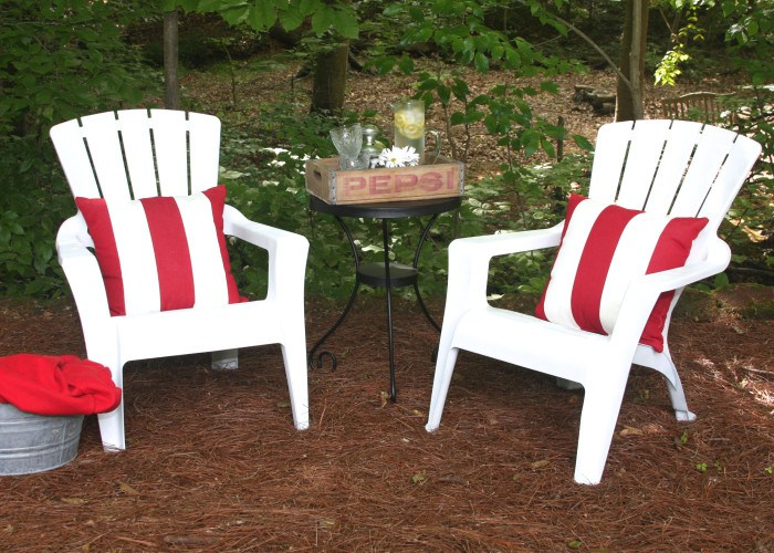 Superbe Painted Plastic Adirondack Chairs