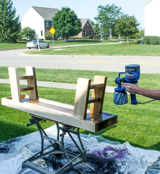 outdoor-table-spraying