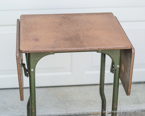 typewriter table before