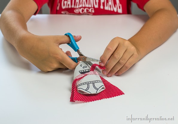 captain-underpants-craft-with-toiletpaper-tubes