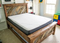Farmhouse Pallet Bed with Rolling Trundle