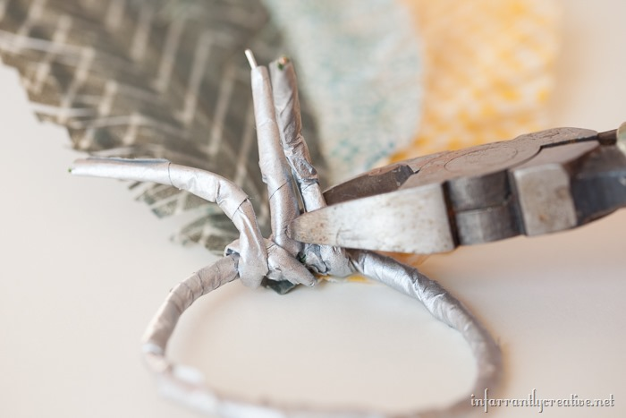 napkin rings feathers