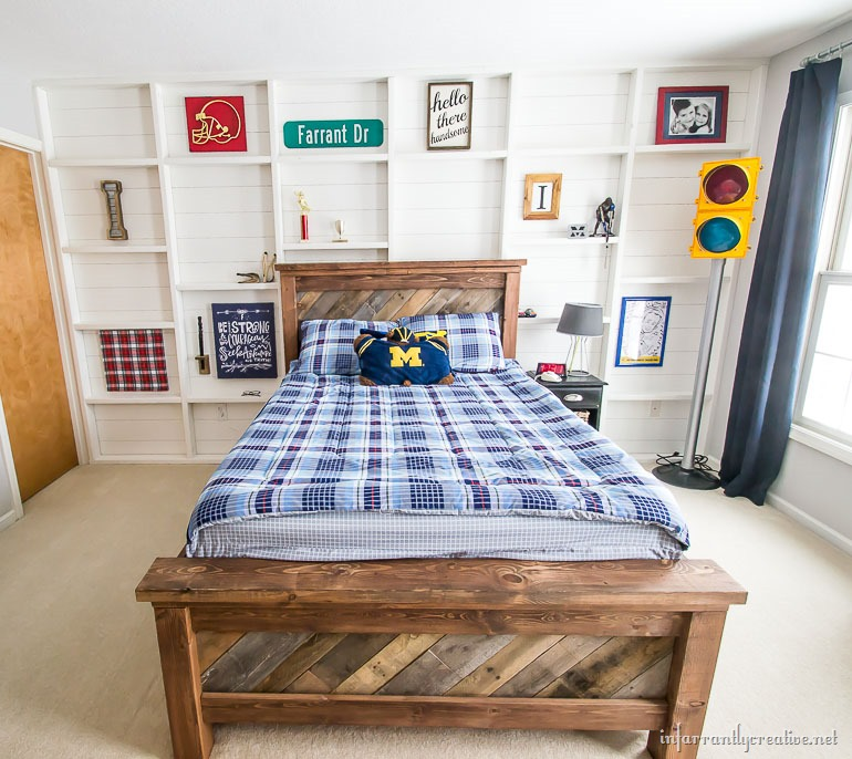 planked-wall-with-shelves