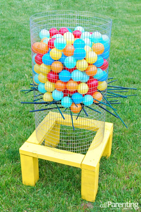 I love this DIY Kerplunk game for the backyard!