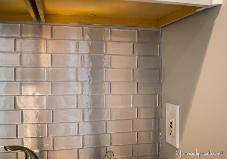laundry-room-backsplash-stainless-steel