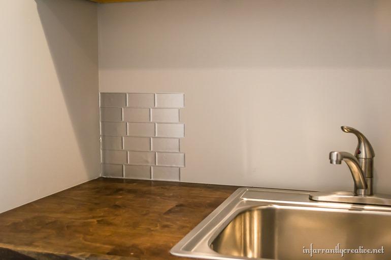 peel-&-impress-stick-tiles
