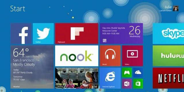 Facebook and Flipboard Windows 8 Live Tile