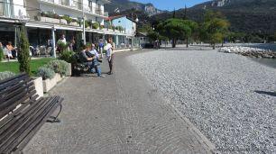 Am Strand entlang