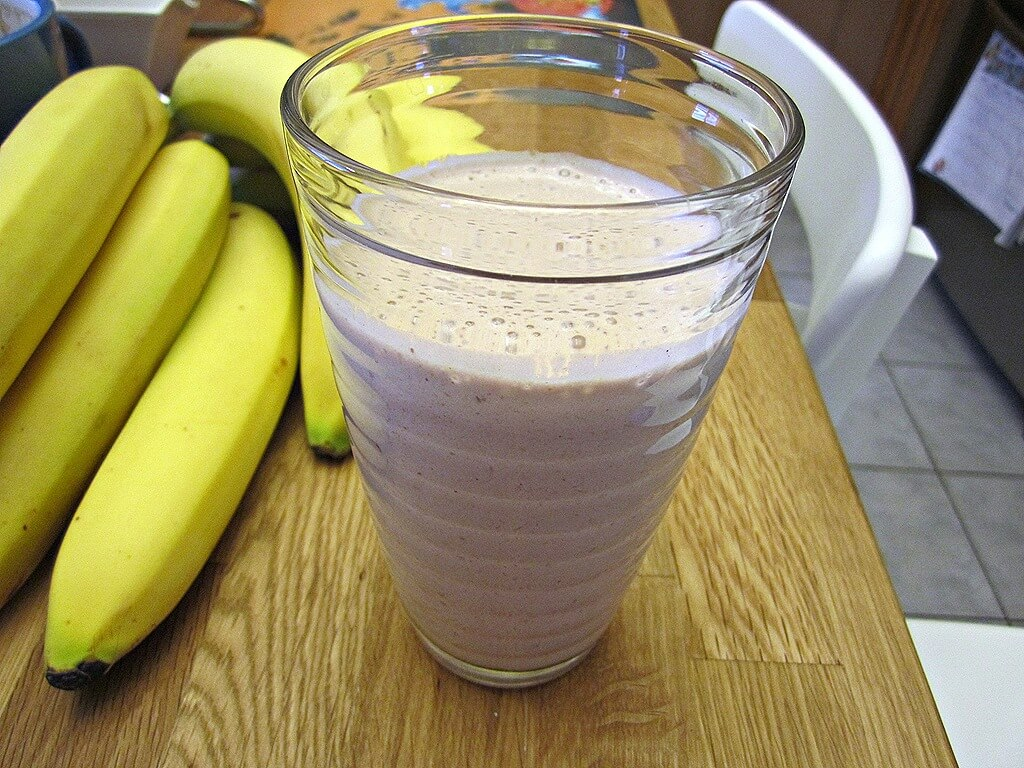 Breakfast food: Choco-Banana-Nut Smoothies
