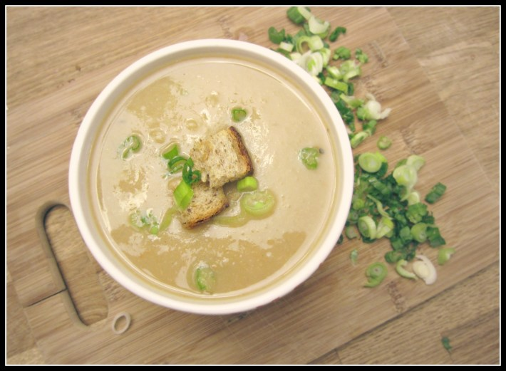 vegan garlic and potato soup - www.infinebalance.com