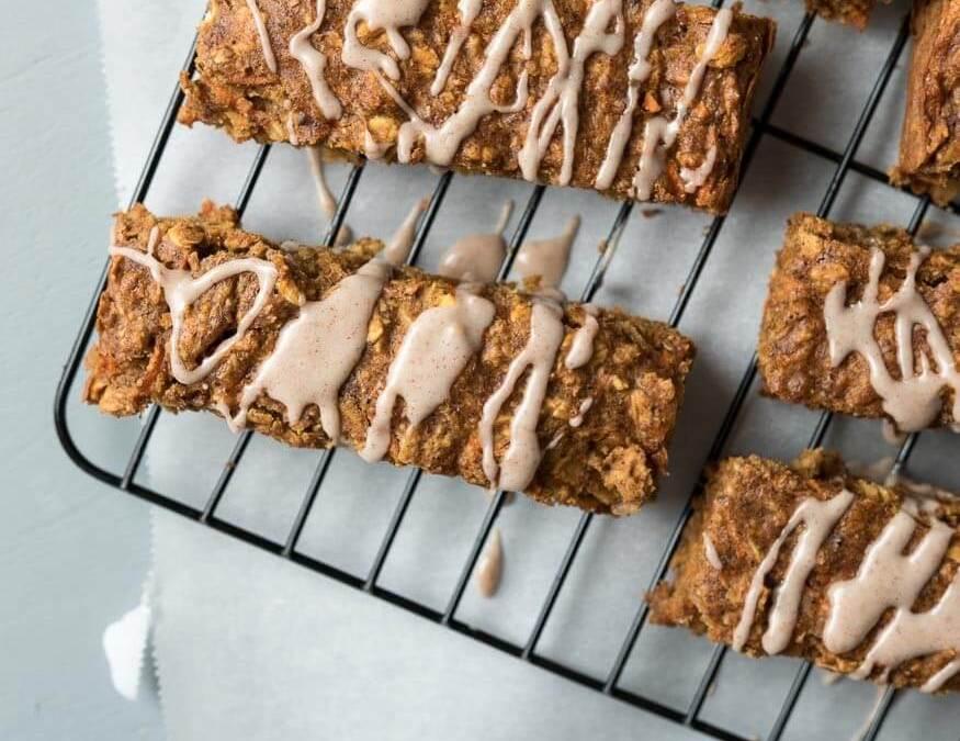 Carrot Cake Breakfast Bars {vegan}