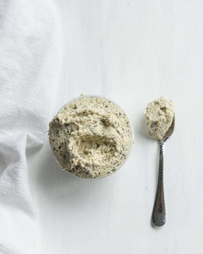 vegan ricotta cheese flavoured with basil