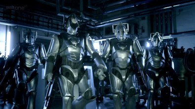 """Look mum, no Cs on chest units - the revived Doctor Who finally had Cybermen from the prime universe (heh ;)) but maybe they had salvaged some tech from that left behind in """"The Next Doctor""""?"""