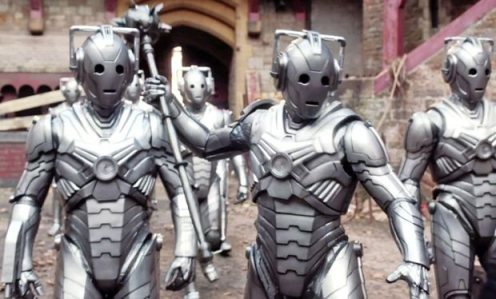 Even Cyberiad Cybermen carry mace just in case.