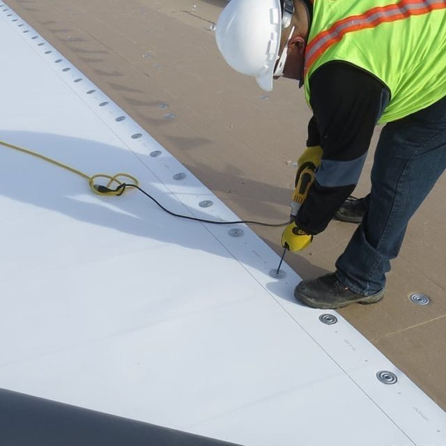 Flat Roofing TPO Membrane Attachment