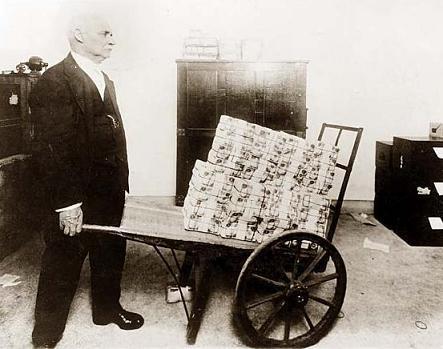 https://i0.wp.com/www.infiniteunknown.net/wp-content/uploads/2009/02/weimar-hyperinflation.jpg