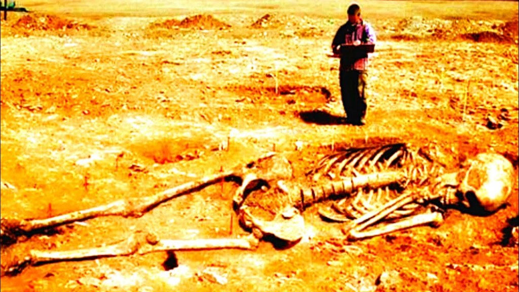 Discovery of Giant Skeletons: Pieces Of Evidence That Giants Existed On Earth
