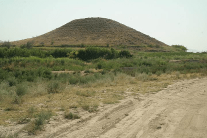 Ancient Pyramid In Armenia: The Mystery Of Dvin's Hidden Structure