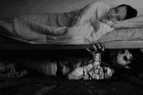killer beneath the bed