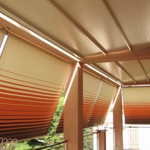 Forniamo sia il servizio di installazione della tenda ma anche servizi post vendita come riparazioni tende e cucitura tende e lavaggio. Tende Da Sole Tempotest Centro Infissi Cioffarelli