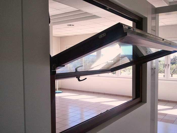 Prezzi e meccanismo finestre vasistas pvc alluminio e legno