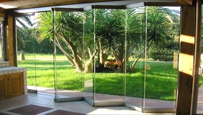 Veranda con vetrate chiusura a libro foto