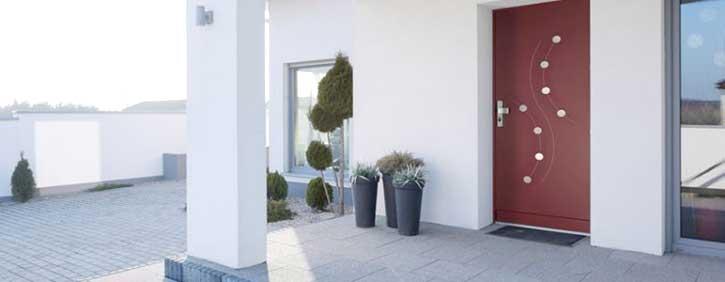 Esempio di una porta blindata per una villetta signorile