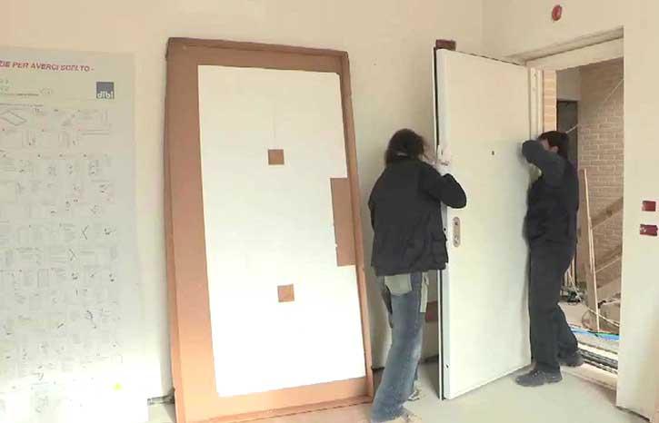 Montaggio porte blindate in un appartamento di Bergamo