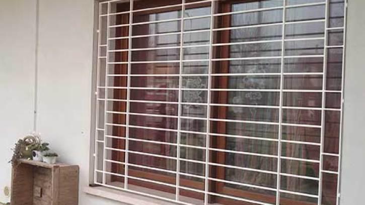 Inferriate bianche moderne Monza per finestre